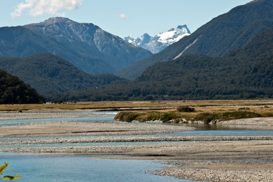 Haast River in den Southern Alps
