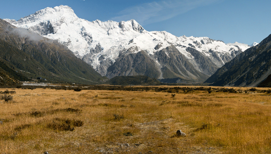 Mount Sefton (3151 Meter), links Mount Cook Village
